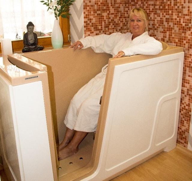 wunderwanne sitzbadewanne und badewanne mit t r. Black Bedroom Furniture Sets. Home Design Ideas